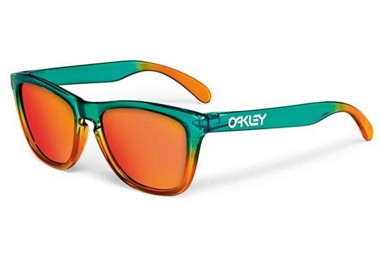 Oakley-Flora-Fire-Fade-Frogskins.jpg