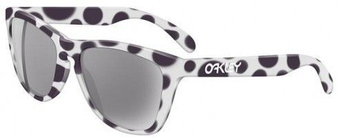 1992 Frogskins i cant find can you? - oakley-frogskins-spot.jpg