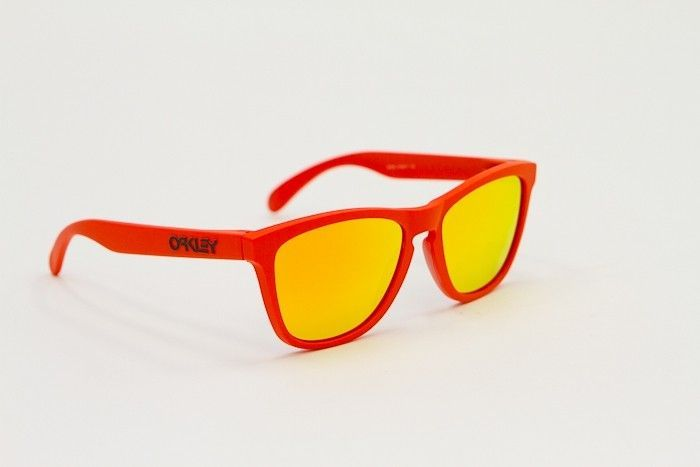 Frogskins Frame Color Difference - Oakley Frogskins Summit Mesa Orange.jpg