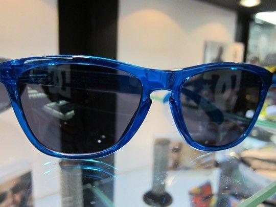 Frogskins: ACID RAIN Series... - Oakley-Frogskins-Sunglasses-2011-02.jpeg