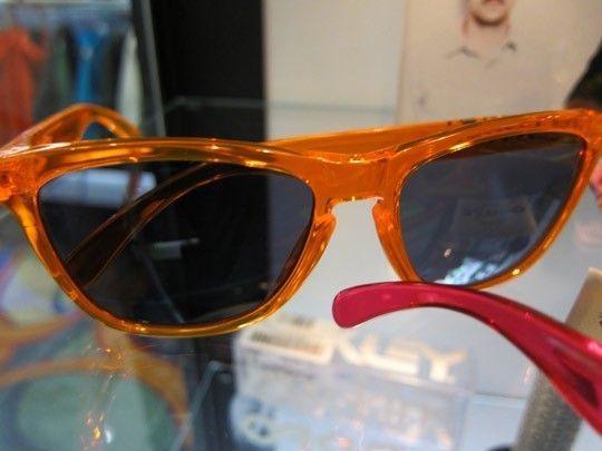 Frogskins: ACID RAIN Series... - Oakley-Frogskins-Sunglasses-2011-04.jpeg