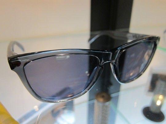Frogskins: ACID RAIN Series... - Oakley-Frogskins-Sunglasses-2011-05.jpeg