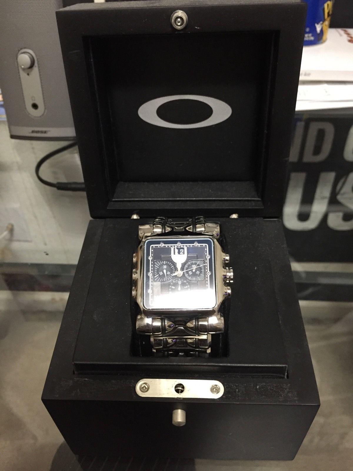 For sale oakley minute machine polished black dial - oakley.JPG