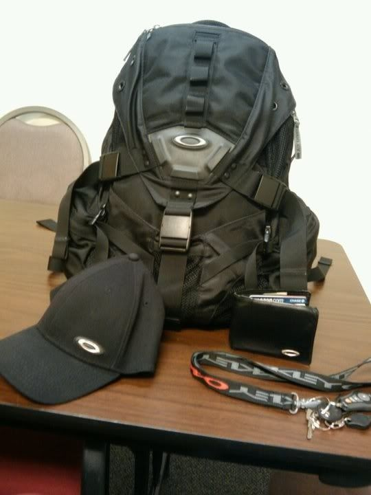 Is The AP BACKPACK 3.0 A Good Bag ? - oakley.jpg