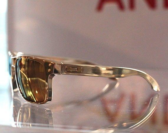 "FS: Shaun White Holbrook ""Goldbrook"" FMJ 24K/24K Gold Iridium Polarized BNIB - oakley-shaun-white-gold-07.jpg"