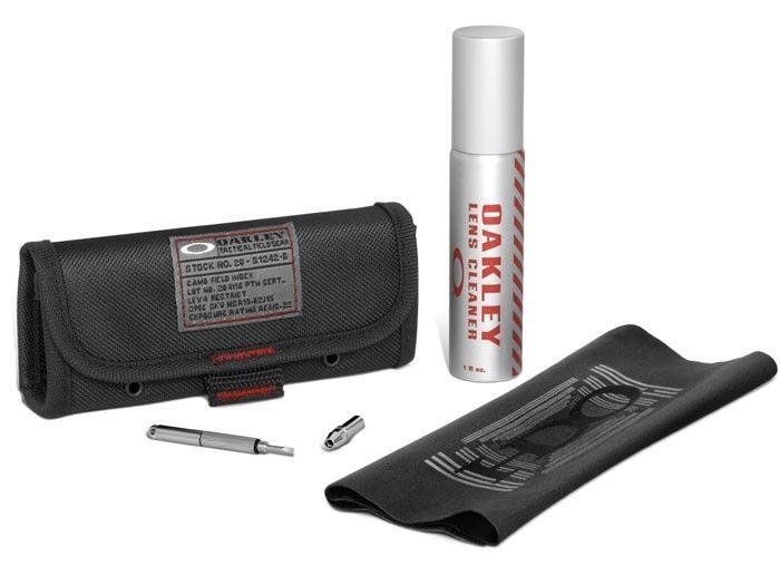 Mercury Hatchet/Titanium Clear - oakley_Cleaning_Kit.jpg