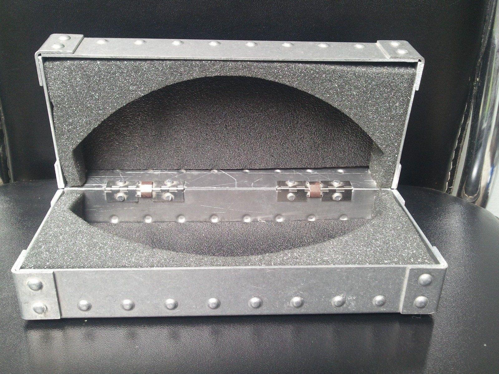 Oakley Forum 10,000 Member Giveaway - Oakley_XMetal_XX_24K_Sunglasses_3.JPG