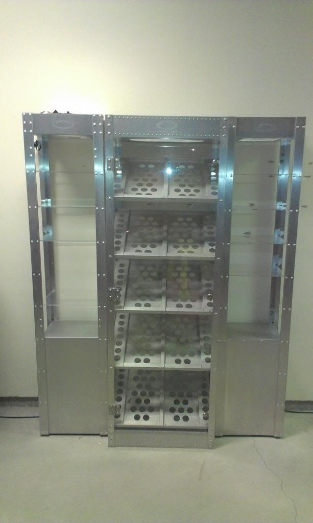 WTT:  Oakley Display Cases - OakleyDisplayCases_zpsb5fb905a.jpg