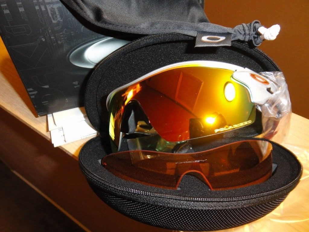 Polarized Radarlock Pitches For Sale!!! $200.00 - oakleyhaus%20silver%20radarlock_zps84728cf4.jpg