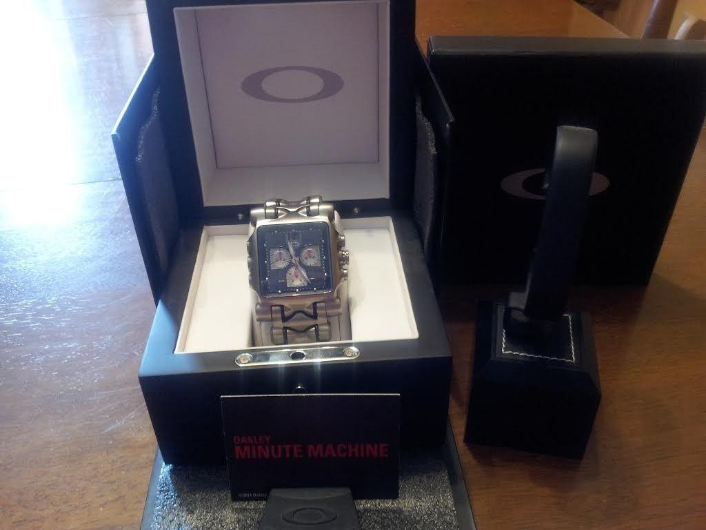 Oakley Minute Machine Watch/ Black Face With Extras! - OakleyMM1_zpsf1e8faba.jpg