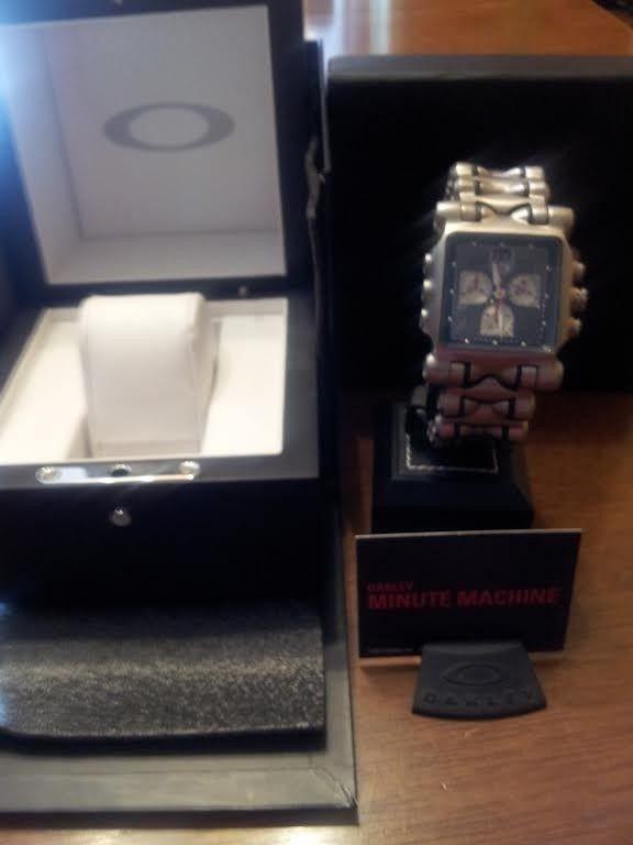 Oakley Minute Machine Watch/ Black Face With Extras! - OakleyMM2_zpsc337cc31.jpg