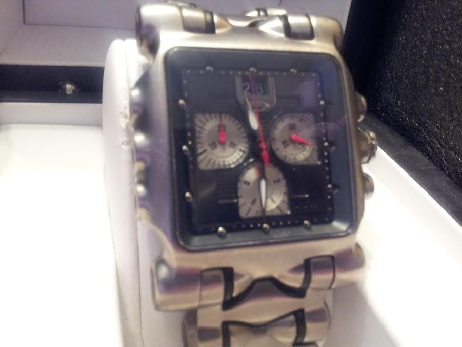 Oakley Minute Machine Watch/ Black Face With Extras! - OakleyMM3_zpsc8aea527.jpg