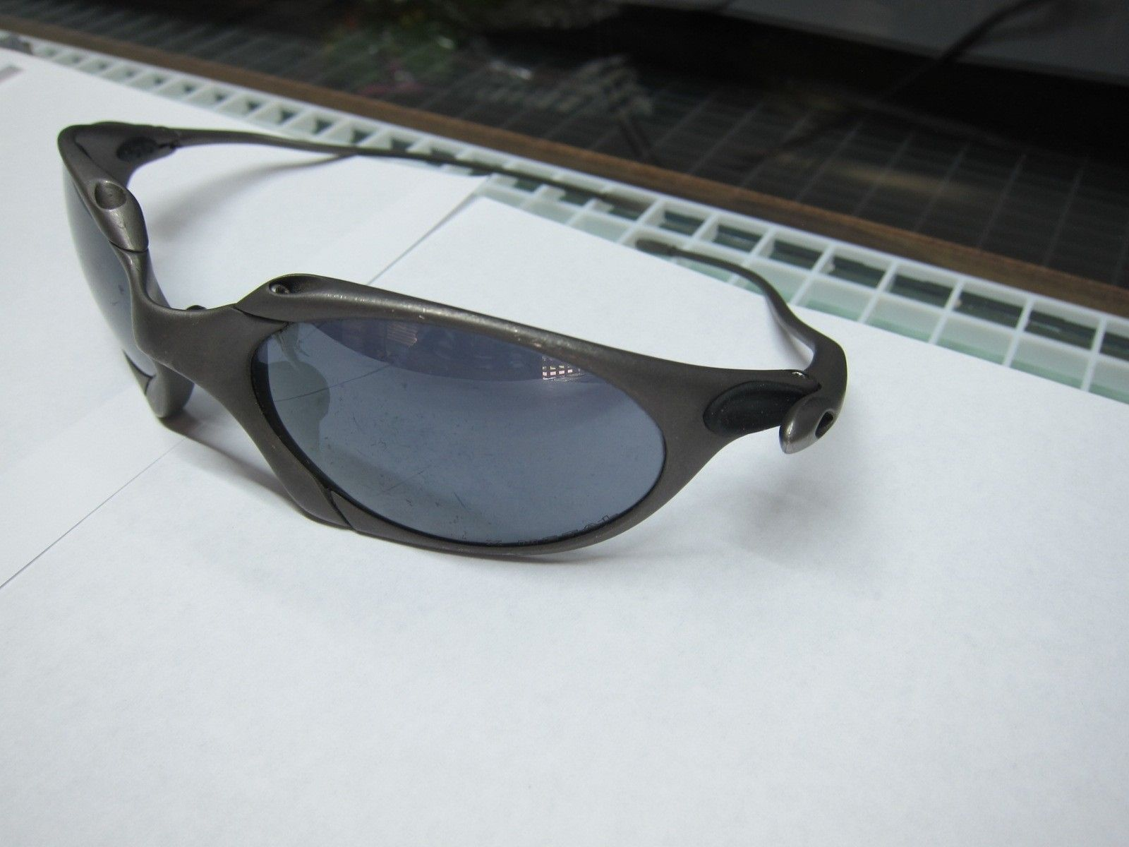Oakley X-metal Romeo 1 Authentic? - oakleyromeo1-left.JPG