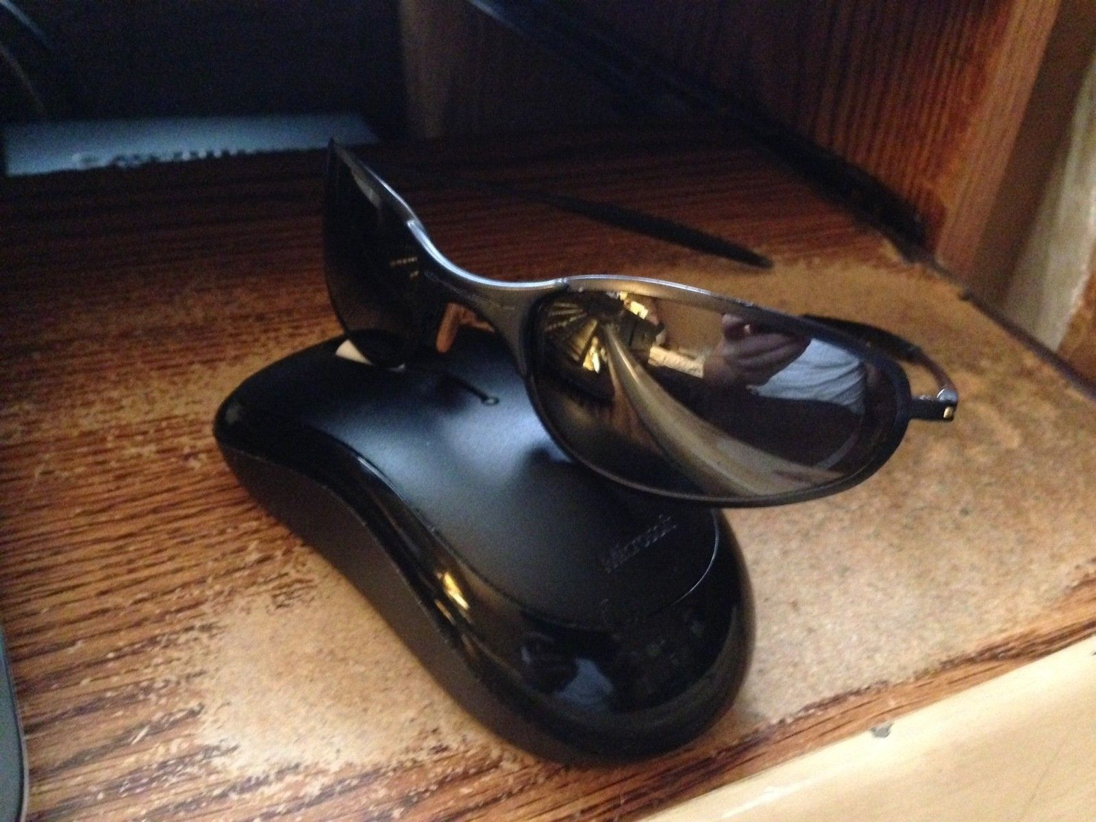 Need some help.. What Model are these? - oakleys.JPG