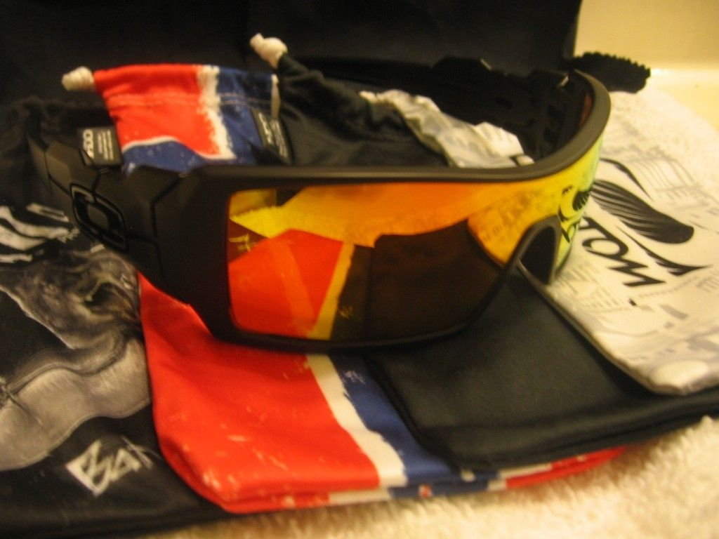 My Small But Growing Collection - Oakleys053_zpse3908152.jpg