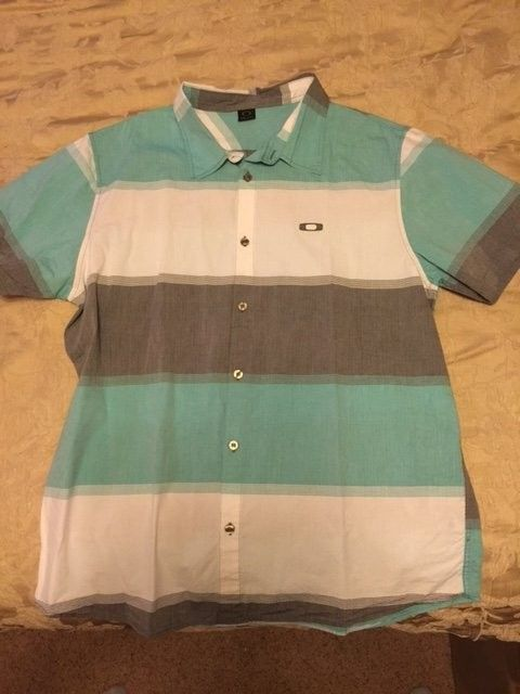 Oakley Button up Short sleeve Shirt XXL - OakleyShirt3.JPG