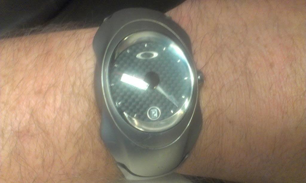 Oakley Carbon Fiber Timebomb 1 - OakleyTBWrist_zps56943e93.jpg