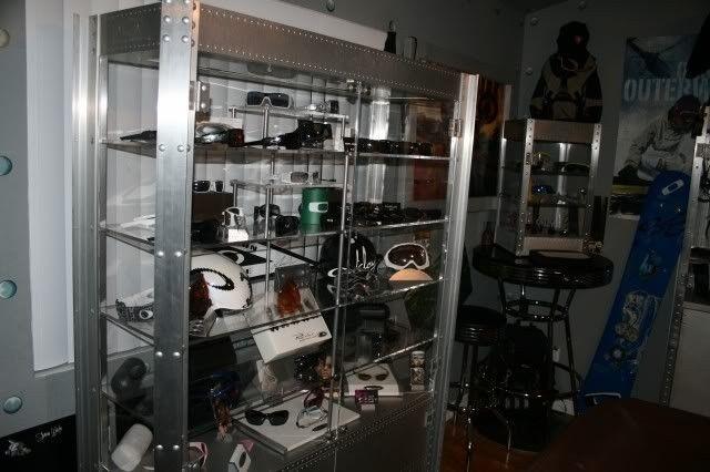 Rare X Metal Wall Case? - OAKLEYZ_NewSetUp-OakleyRoom007.jpg