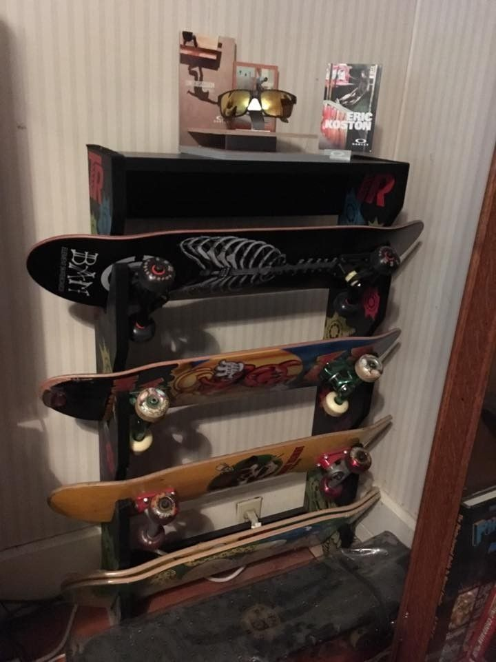 I picked up a few countertop display items..... - oakskate.jpg