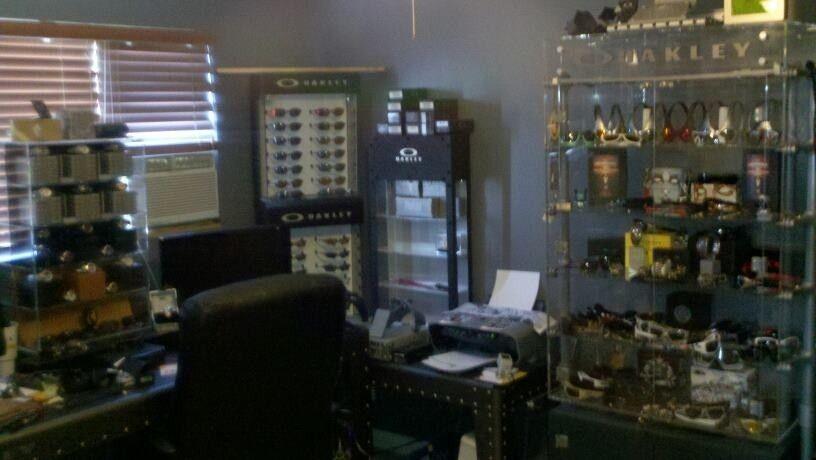 FearGearGarage ~ NEW OFFICE SET UP - officewall.jpg
