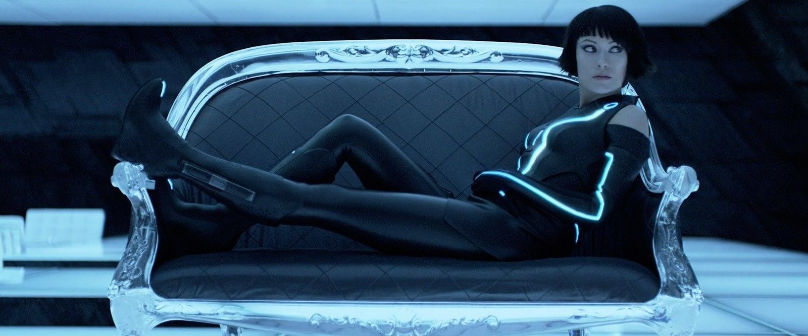 "Would You Date A ""Celebrity""? - olivia-wilde-tron-legacy-couch.jpg"