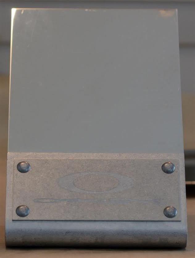 Oakley Counter Mirror - Omirror.jpe