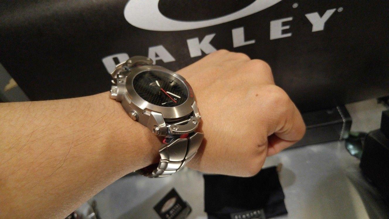 Kill Switch Elite - on the wrist.jpg