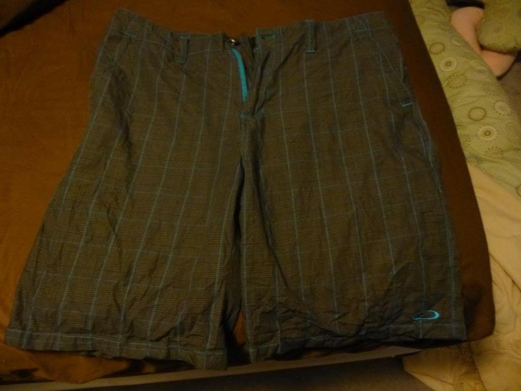 Oakley Golf Shorts - P1000645_zps3b11f230.jpg