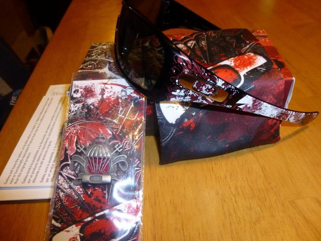 Devils Brigade Antix Origianl Box Pin And Bag - P1000723_zps23f530c9.jpg