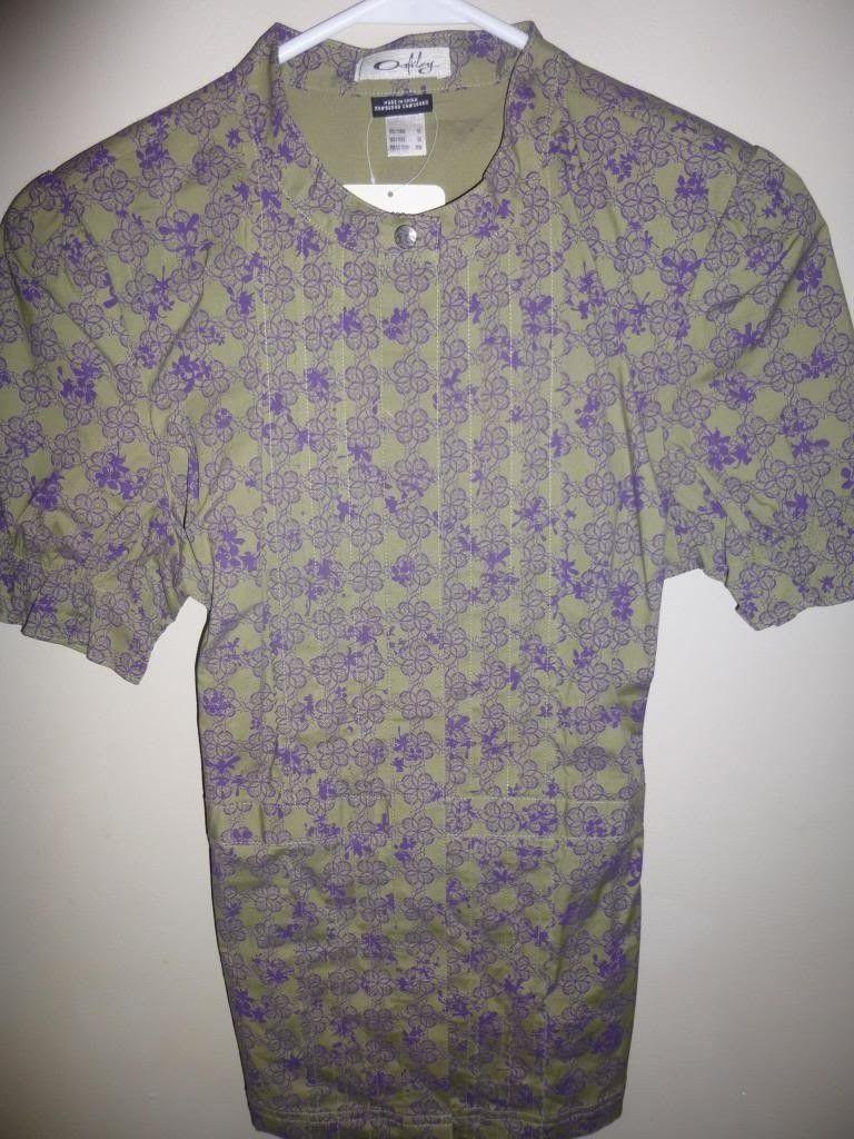 Women's Oakley Shirts / Scrub Tops - P1000758_zps5b0694a8.jpg