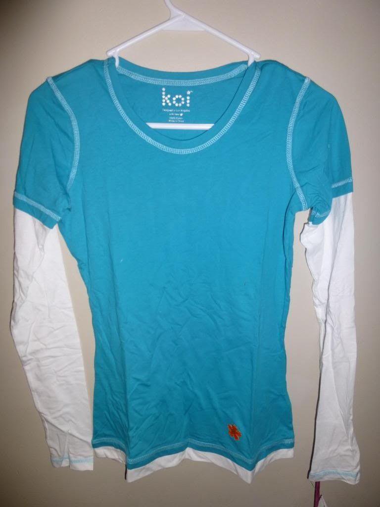 Women's Oakley Shirts / Scrub Tops - P1000764_zpsc4a7d650.jpg