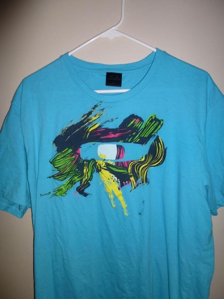 Men's Oakley T-shirt and IH Pin - P1000765_zpseb114c70.jpg