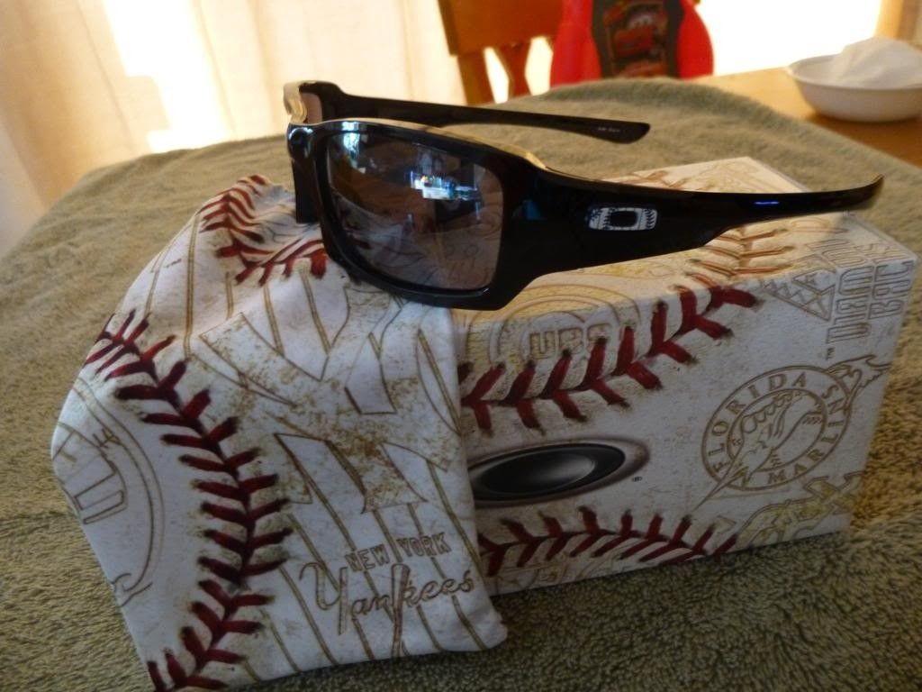 BNIB NY Yankees Fives Squared With MLB Box $70 - P1000991_zps25c45c7e.jpg