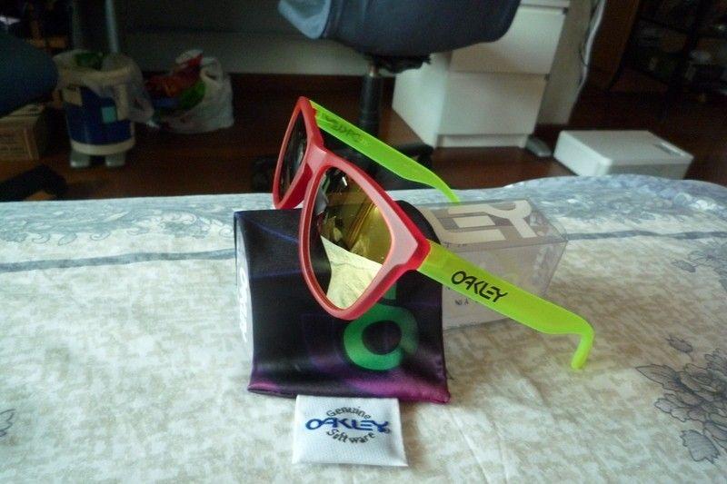 Jono's new Frogs. - p1020278z.jpg