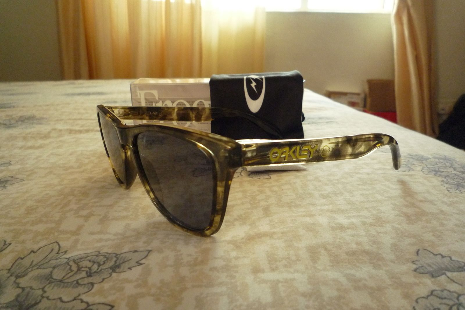 Fragment Design X Oakley Yellow/Brown Camo/Tortoise Frogskins - p1020421x.jpg