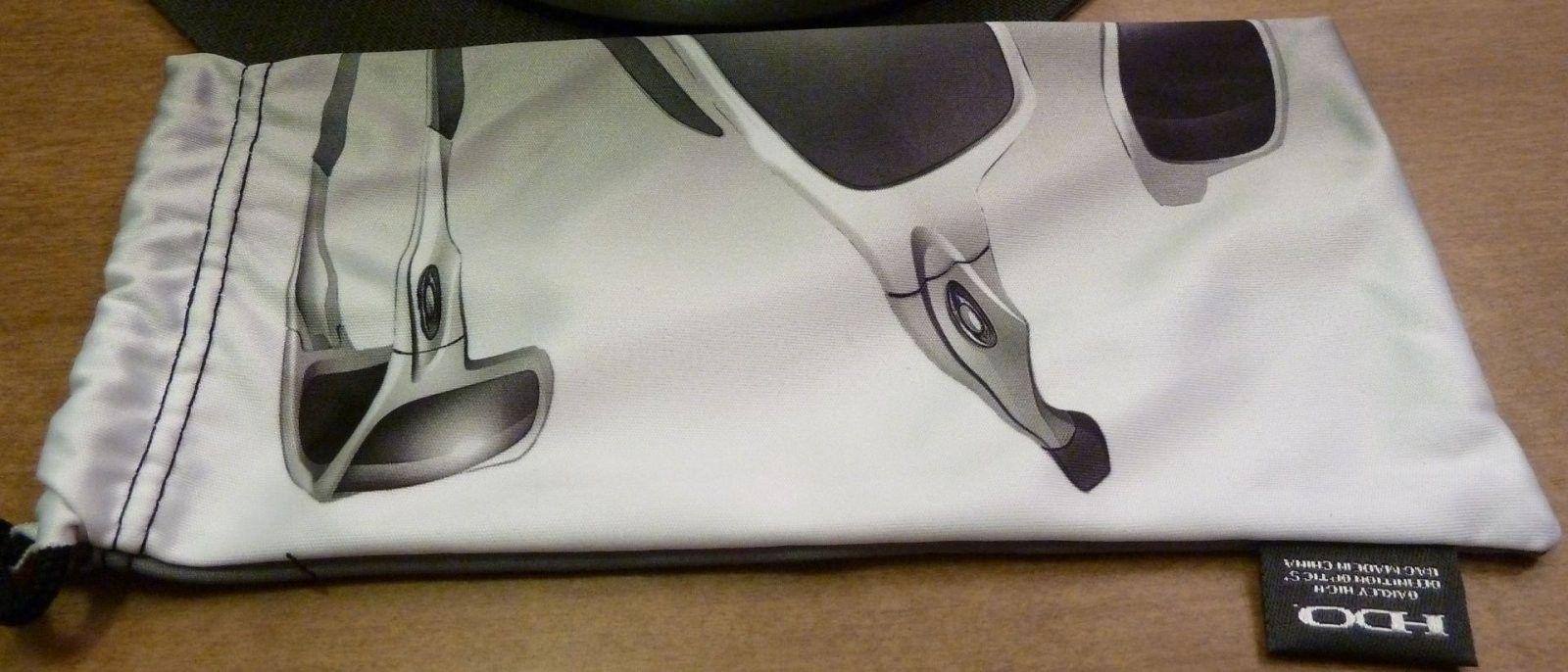 New Canteen - Black Ink / Jade Iridium Polarized Colorway - P1100101.jpg