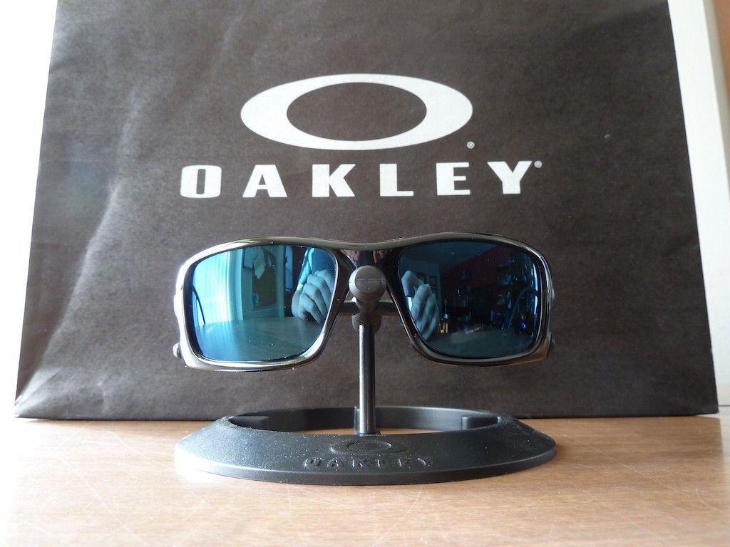 Custom Crankcase - Polished Black w/ Ice Iridium Polarized lenses - P1100506.JPG
