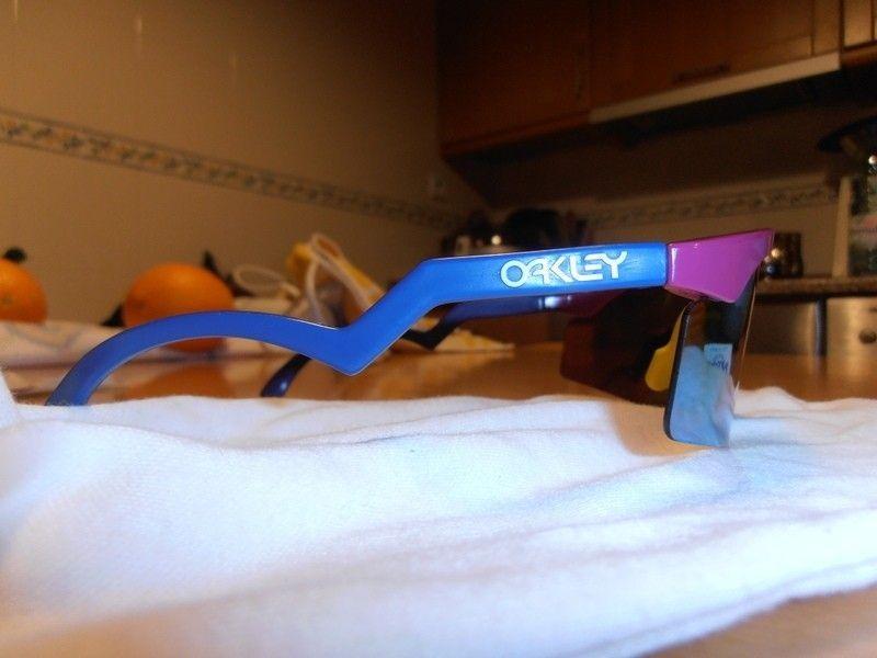 FS/T: Razor Blade - Fire Red Iridium / Violet / Dark Blue Legs - p1300134.jpg