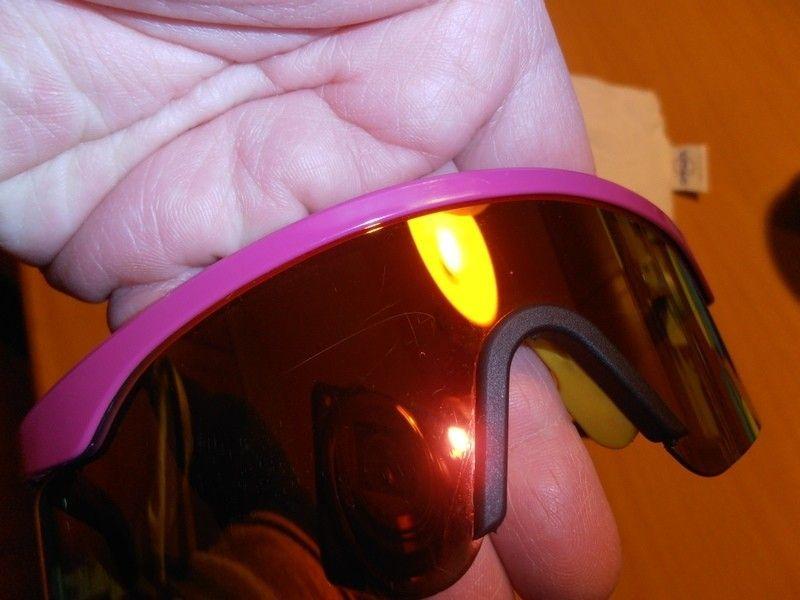 FS/T: Razor Blade - Fire Red Iridium / Violet / Dark Blue Legs - p1300141.jpg