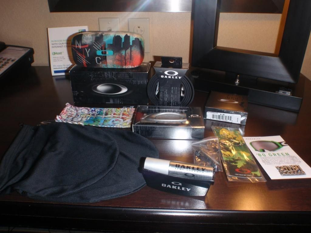 Today's Oakley haul with freebies!!!!! - P3101691_zps7d062ca5.jpg