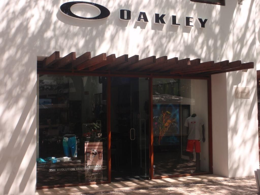 O Store Location.... - P5121699_zpscea1f368.jpg