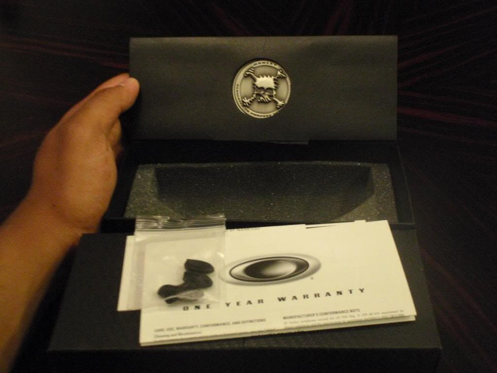 Complete Boxes For Juliet Carbon Black Iridium / X Squared Plasma Ice / X Squared Fire Polarized - PA030324.jpg