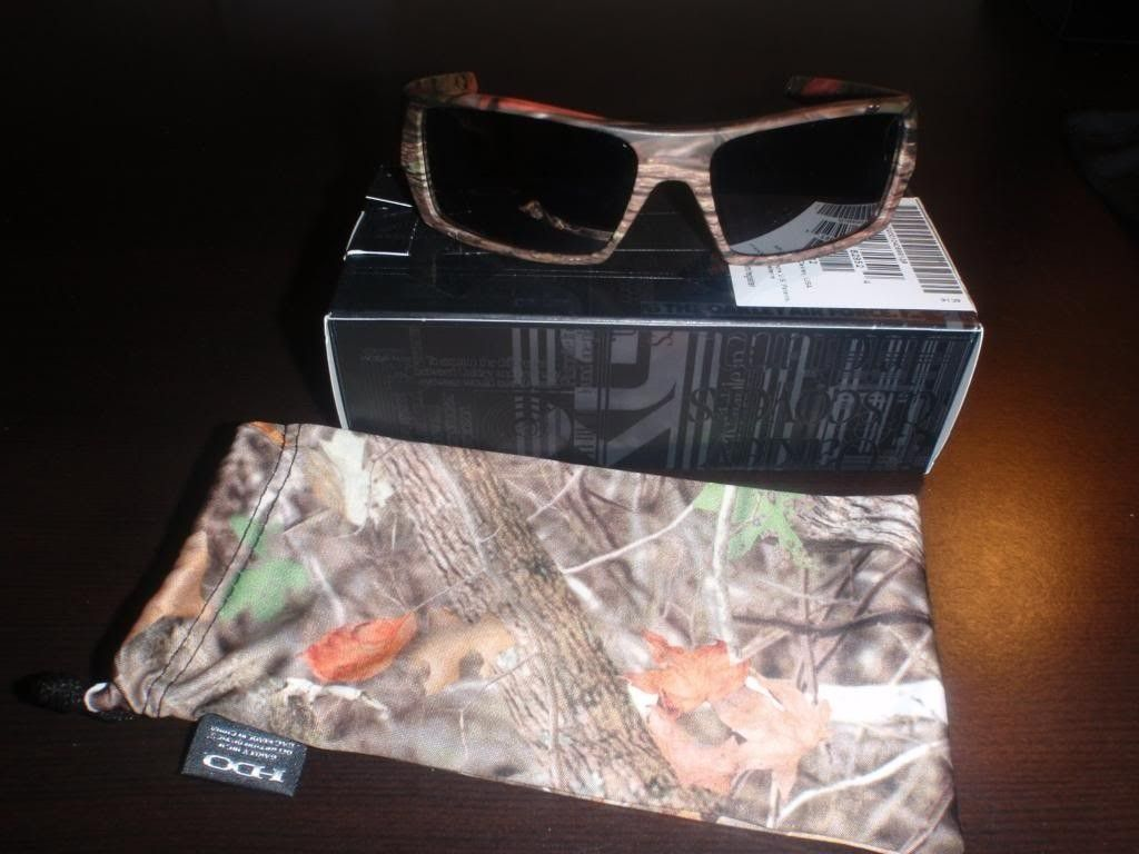 Recent Oakley Purchases...and One Was A Steal!!! - PB211672_zps74093012.jpg