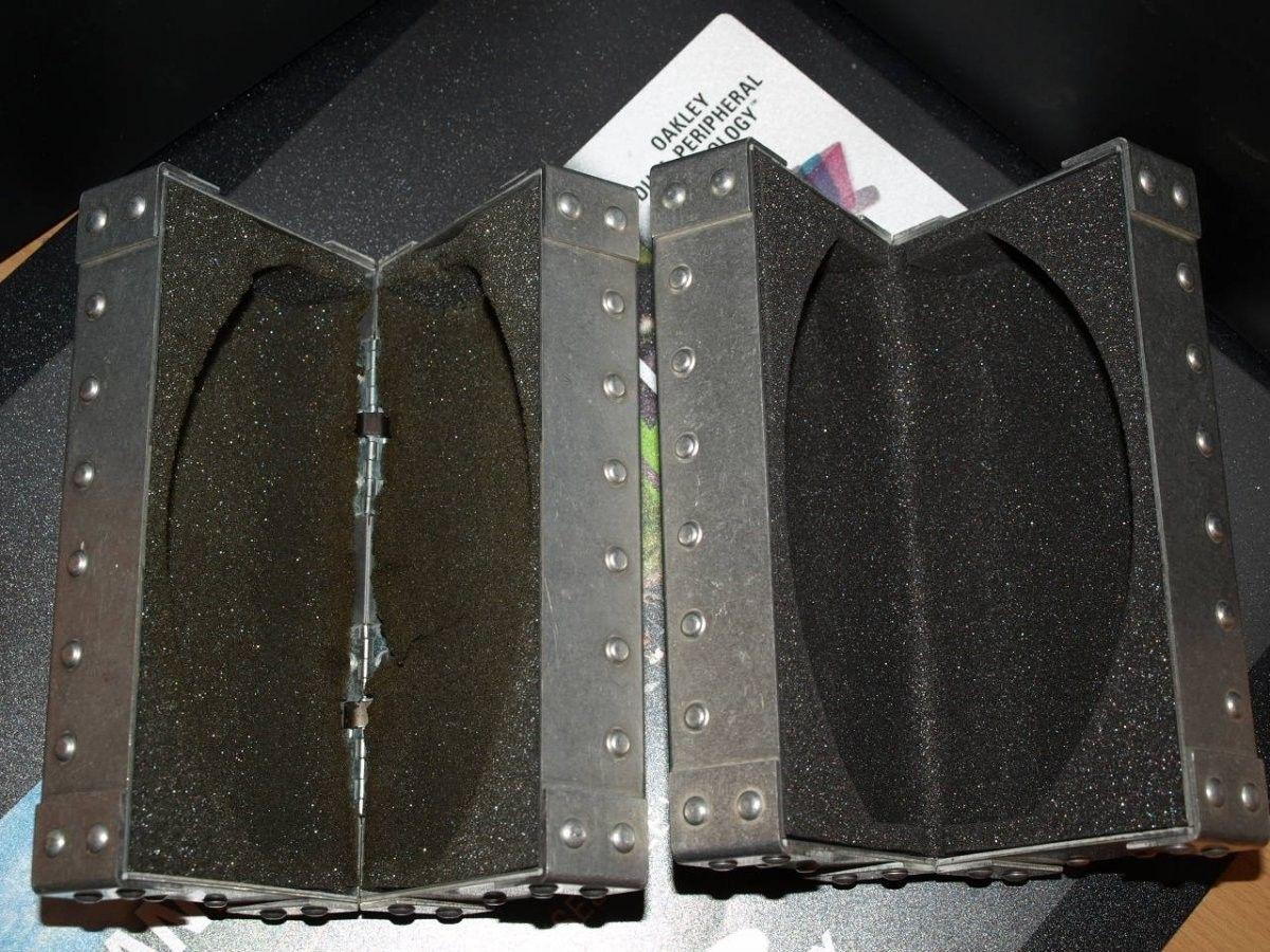 Metal Vault replacement foam - PC157543.JPG