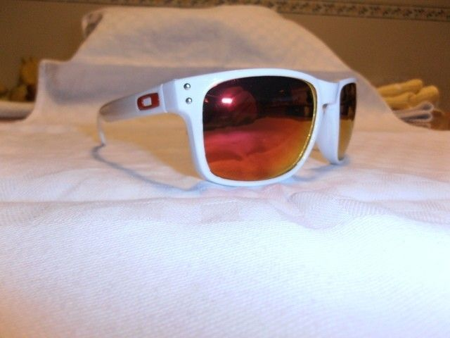 My First Full Customization: Polished White Holbrook With Fire Red Lenses - pc170498.jpg