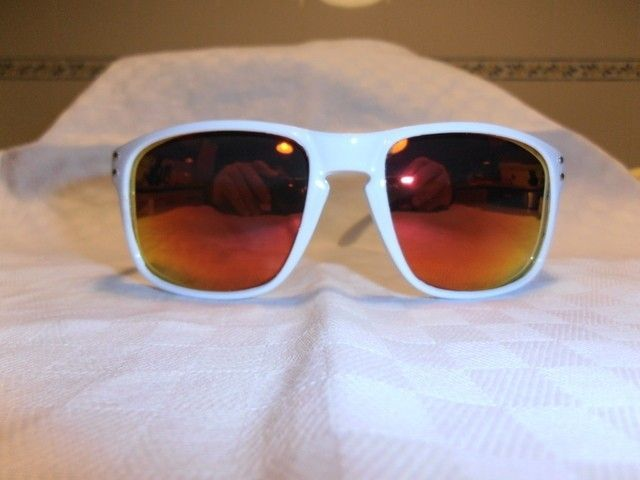My First Full Customization: Polished White Holbrook With Fire Red Lenses - pc170499.jpg