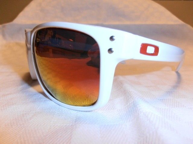 My First Full Customization: Polished White Holbrook With Fire Red Lenses - pc170501.jpg