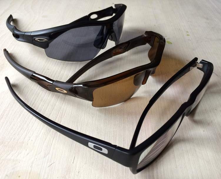 Greetings Oakley Folk... Long time wearer, first time poster here... Need help with a gold icon - pc782k.jpg