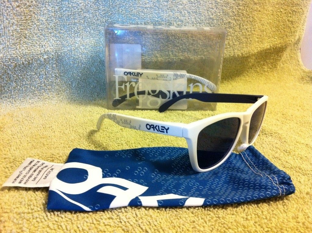 B1B Frogskins Blue And White! - photo-27.jpg