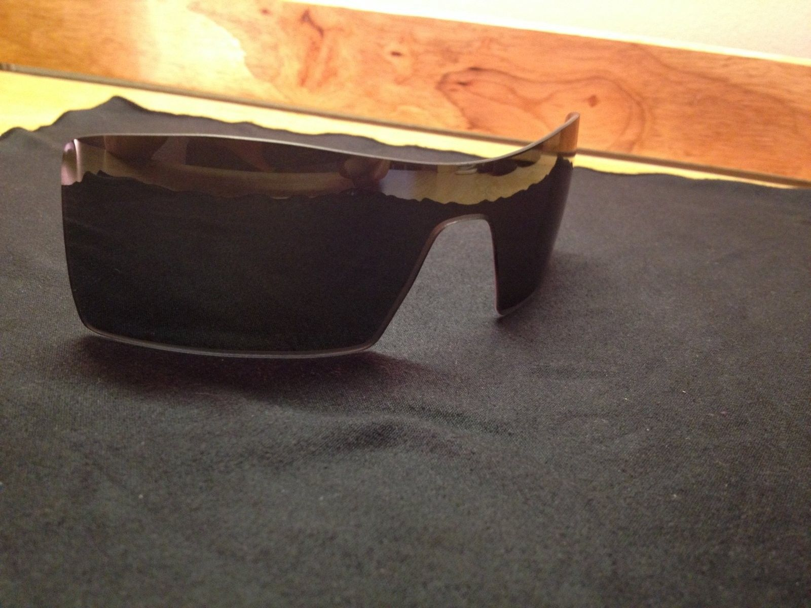 Few Bags, Pins, Polarized Lenses, Rubbers, And More! - photo 3.JPG